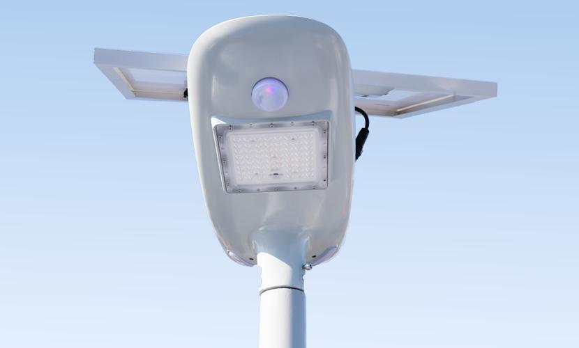 太陽光だから災害時にも強いソーラー防犯灯・ソーラー非常灯のセーリング5010の下から正面写真