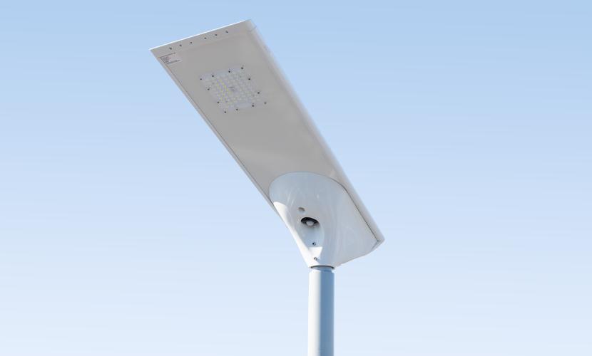 太陽光だから災害時にも強いソーラー防犯灯・ソーラー非常灯のスーパーライト3025の写真